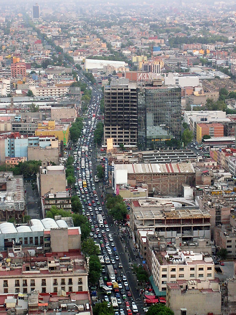 Mexico City Traffic (Image courtesy of photography.mojado.com)