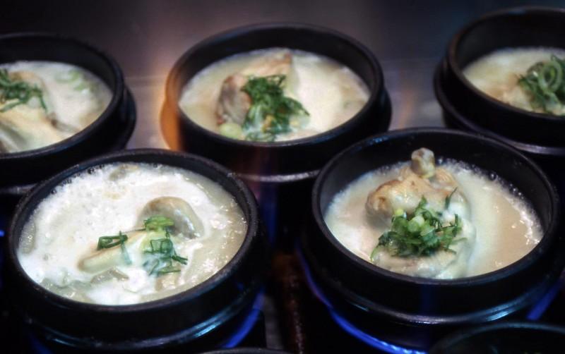 Chinese Premier Gives a Pep Talk about Korean Food 'Samgyetang'