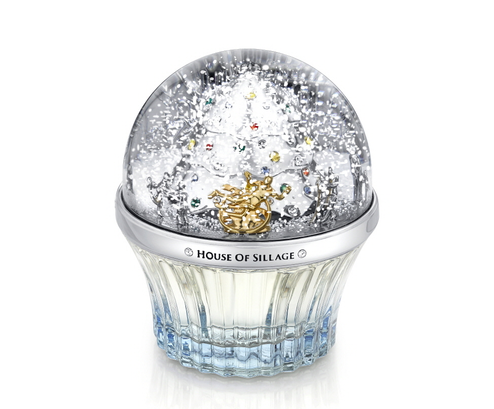 The stunning snow globe cap is inspired by the bright lights of the Rockefeller Center Christmas tree in New York City. (image: House of Sillage)