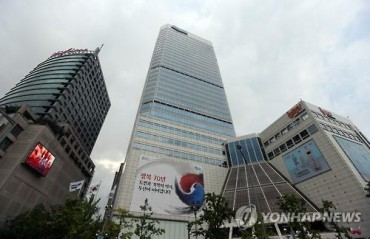 Dongdaemun Fashion Retailers Sandwiched Between SPA Brands, Online Malls