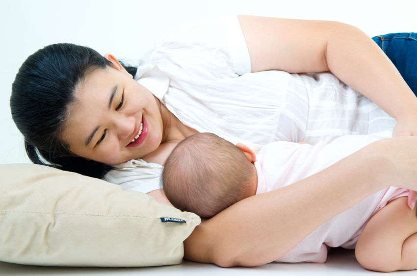 A new study shows that eating habits of infants, such as breast feeding and nutrient intake, can have an influence childhood obesity. (Image : Kobizmedia / Korea Bizwire)