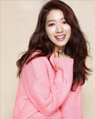 Park Shin-hye, a South Korean actress, has more than 10 million followers on the Chinese social media network Weibo, her agency said Thursday. (Image : Yonhap)