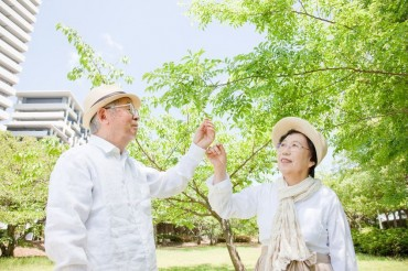 Life Expectancy of S. Koreans Tops 82 Years in 2014