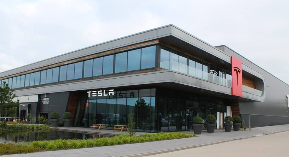 Tesla is seen as one of the most innovative companies in the electric vehicle industry. (image: Tesla Motors)