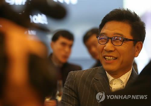 Lee Soo-man, founder of S.M. Entertainment (Image : Yonhap)