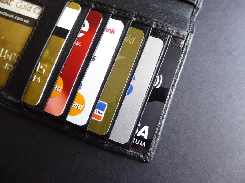 Debit Card Use Keeps Rising in 2015