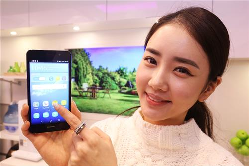 Huawei's Y6 was launched in the Korean market exclusively by LG U+ on December 16, 2015. (Image : Yonhap)