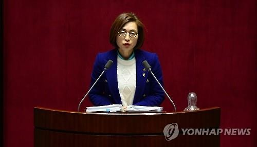 A filibuster launched by the opposition Minjoo Party of Korea opposing the enactment of an antiterrorism has brought Rep. Eun Soo-mi into the limelight. The Seoul National University graduate set a new Korean record for the longest filibuster, and galvanized the support of many observers, which lead to numerous contributions. (Image : Yonhap)