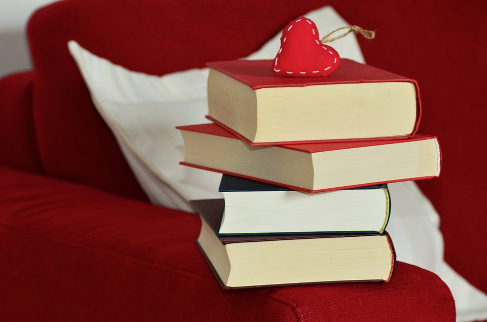 Presales of books, a system which has been adopted as a marketing tactic by publishing companies, is becoming a trend in the publishing industry. (Image : Yonhap)