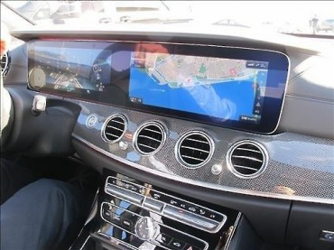 LG Display to Supply Improved OLED to Benz