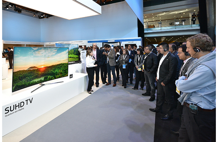 Samsung Electronics took up 34.1 percent of the global TV market for Ultra HD TVs, which has emerged as the new battleground for tech players around the globe. (image: Samsung Electronics)