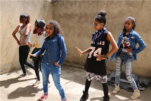 Ethiopian youth are also fond of K-pop. (Image : Yonhap)