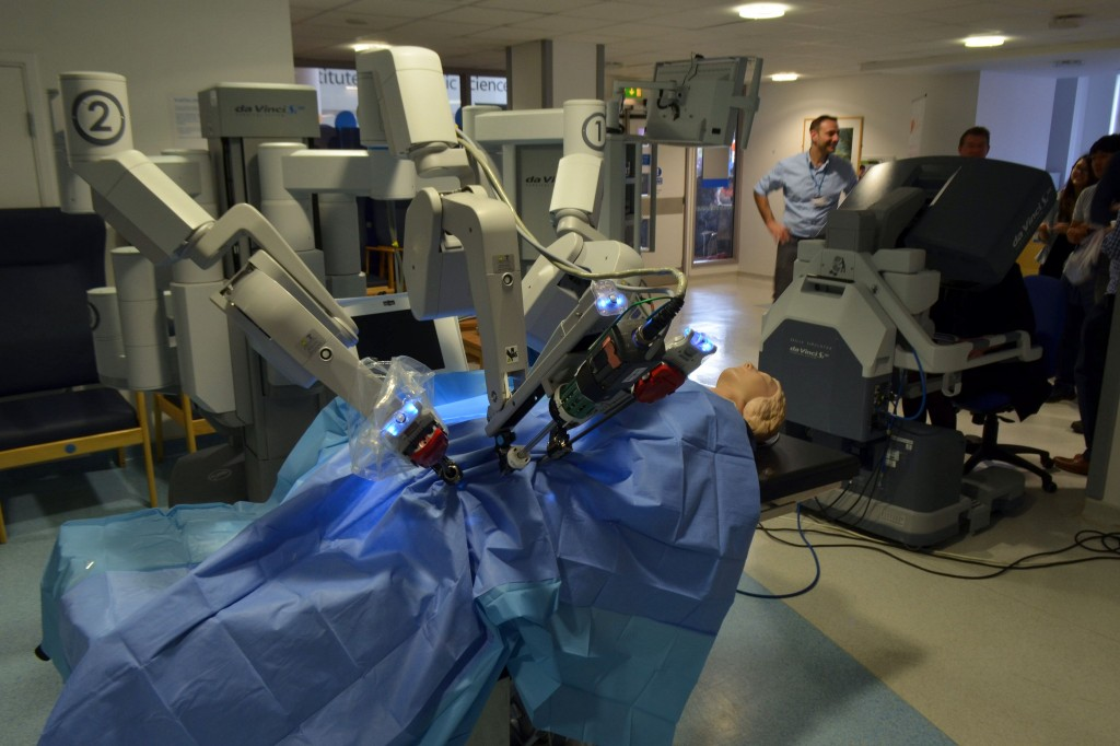 Robot-assisted surgery has been attracting much attention, particularly for its strikingly high cost. (Image Courtesy of Wikimedia)