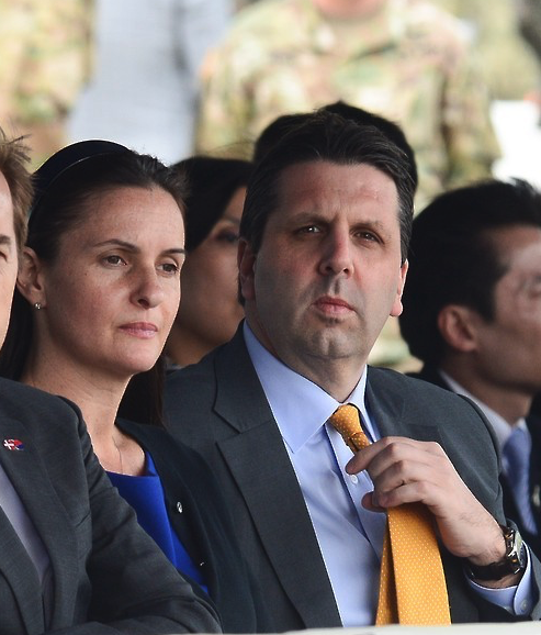 Mark Lippert and wife at ROK-US combined forces commander's change of command ceremony on April 30. (image: Yonhap)