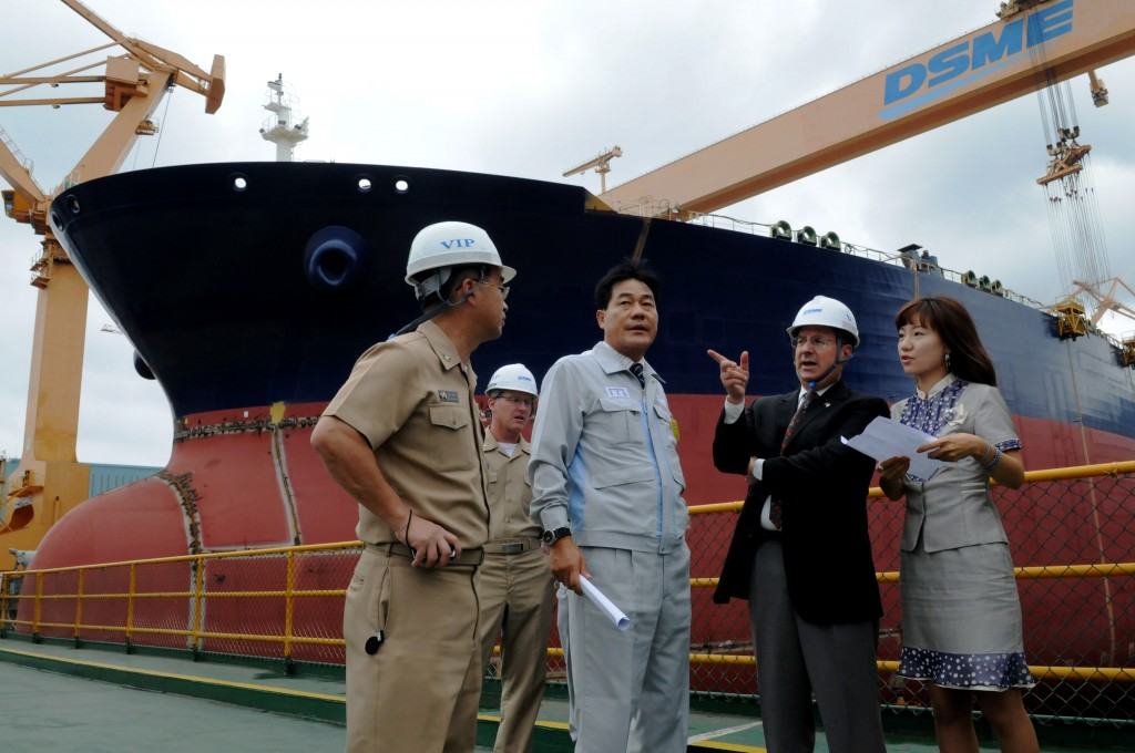 South Korea's Board of Audit and Inspection (BAI) said Daewoo Shipbuilding's management also carried out business projects without legitimate procedures, which caused its financial losses to snowball. The shipbuilder posted an operating loss of 5.5 trillion won last year. (image: Yonhap)