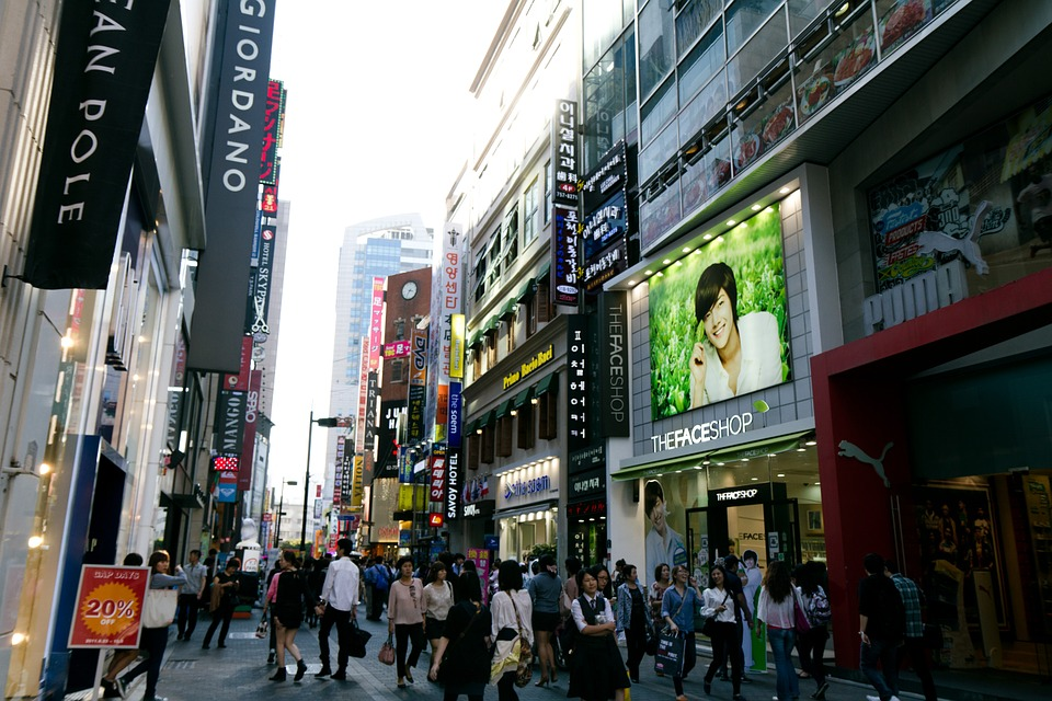 Business hotels are springing up in and near Myeongdong, the shopping mecca of downtown Seoul. (image: Pixabay)
