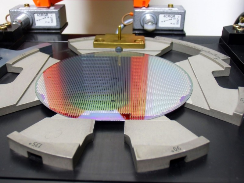 New Fume-removing System Invented for Semiconductor Factories