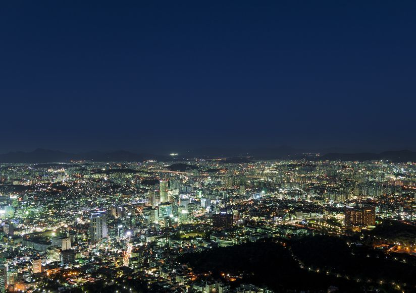 Seoul suffered the highest population loss in May with a net migration of -11,958, and as of the end of May, the city's population has fallen below the 10 million mark to stand at 9,995,784. (image: KobizMedia/ Korea Bizwire)