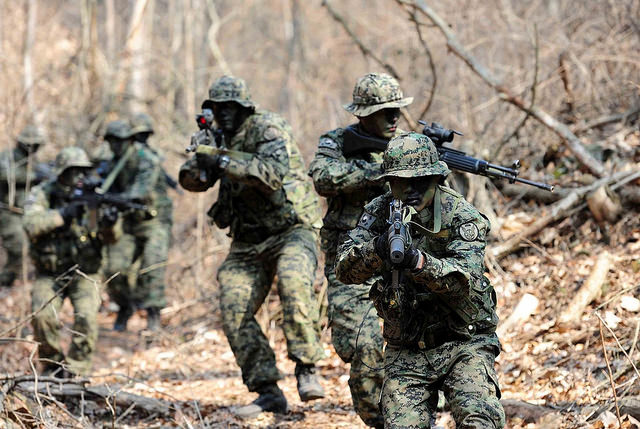 The increase in the number of multicultural soldiers is attributed to a surge in the number of multicultural children aged 18 or younger, which came to 208,000 in 2015 from 25,000 in 2006. (image: Republic of Korea Armed Forces)