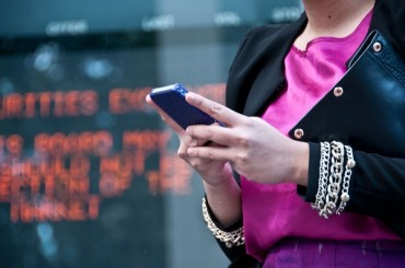 Fintech Pushes Banking Services to Mobile Apps