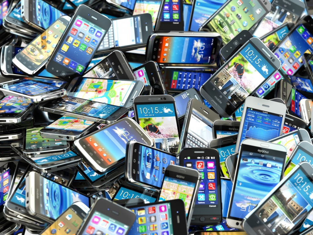 The total number of reported lost cell phones at the Big Three mobile carriers – SK Telecom, KT and LG Uplus – over the past five years was 13,184,000. (image: KobizMedia/ Korea Bizwire)