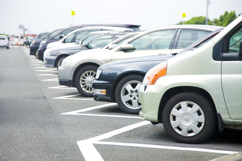 On June 14, Seoul City Council members Park Gi-yeol and Park Jin-hyeong proposed a revised bill to 'the parking lot establishment and management regulations' to designate three percent of street, off-street, and public institution parking lots as EV-priority parking areas. (image: KobizMedia/ Korea Bizwire)