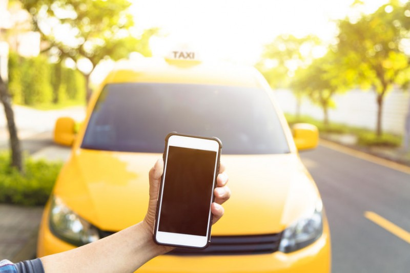 Free Smartphone Charging in Taxis