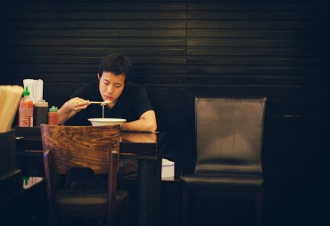 Eating Dinner Alone Can Lead to Depression, Particularly for Men