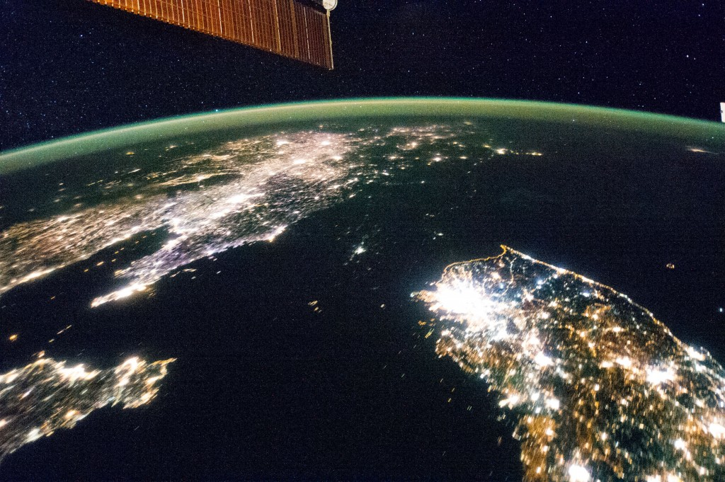 Night satellite images show that 89.4 percent of South Korea's total land area is exposed to light pollution. The figure for Italy was 90.3 percent. (image: Wikimedia)