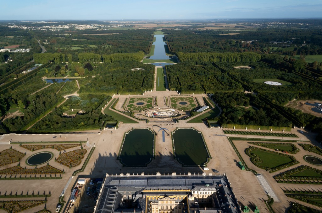 The royal kitchen garden in Versailles, which covers 25 acres, or nine hectares, was created some 330 years ago when Louis XIV was in power. At the garden, now open to the public, some 400 kinds of fruit trees and many varieties of vegetables are grown. (image: Wikipedia)