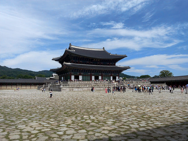 Of the four palaces, Gyeongbok attracted the most visitors, with 2.97 million. (image: Flickr/ Florian Bausch)