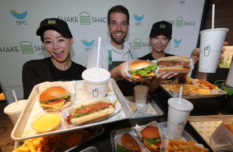 Shake Shack Opens in Korea; Popularity of Homemade Burgers Soars