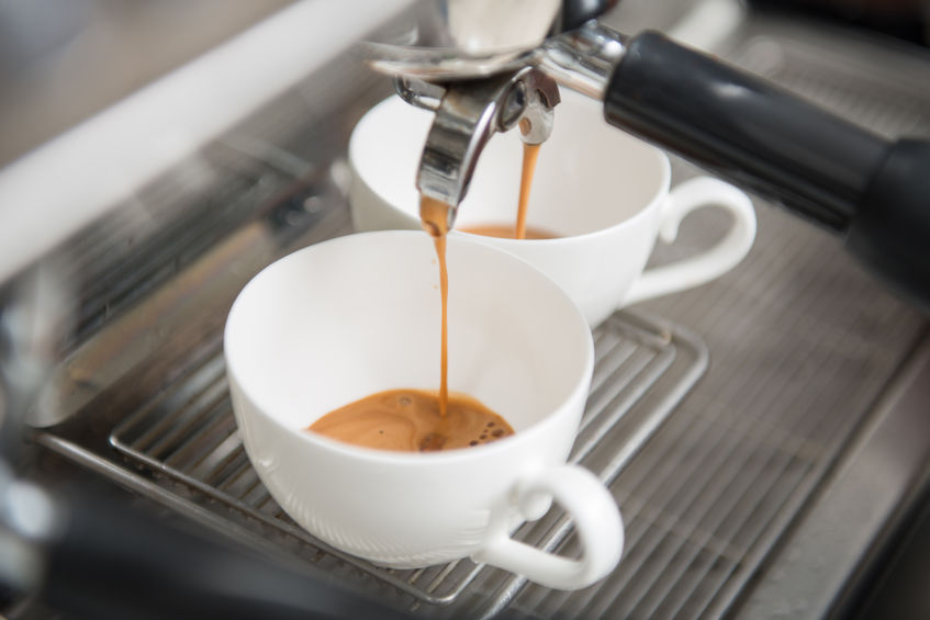 A majority of the coffee sold at convenience stores is one-third the price of the same menu at gourmet brand shops, but customer reviews have been favorable about their quality. (image: KobizMedia/ Korea Bizwire)