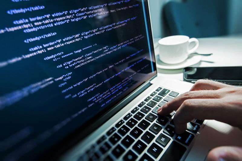 'Old' Software Developers Struggle to Find Work