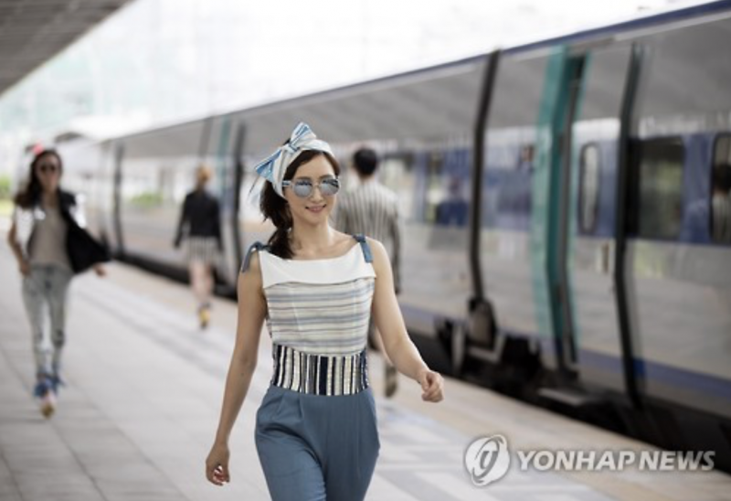 Seoul Station Platform Transforms into a Catwalk