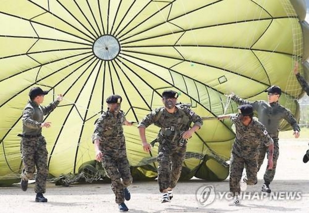 N. Korean defectors experience barracks life with special forces