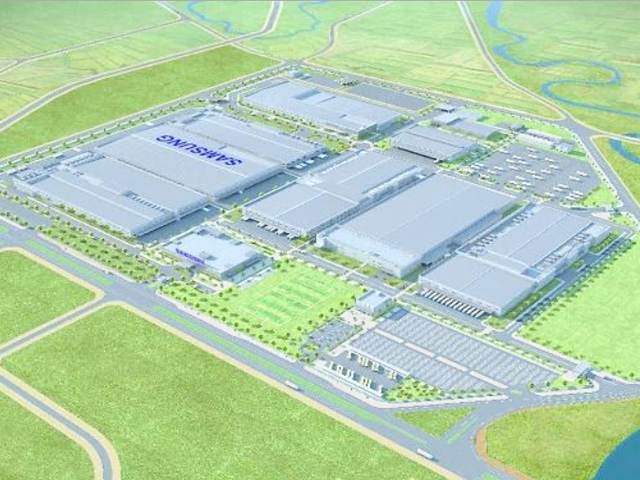 The electronics giant is investing $2 billion to develop a 700,000-square-meter complex devoted to home appliance production, and TV assembly lines have been churning out new products since earlier this year. (image: Samsung Electronics)
