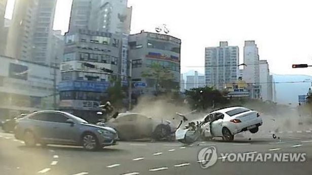 Fatal automobile accidents occurred in Busan where the driver is presumed to have an epileptic seizure before the collision. (image: Yonhap)