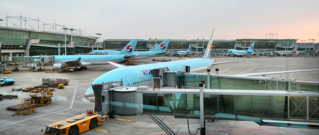 Korean Air Lines Co., the country's top carrier, plans to cut down its scheduled flights to key cities in China by 79 on a round trip basis, representing about 6.5 percent of all routes flown to the neighboring country. (image: Wikimedia)