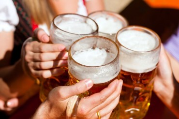 Drinkers Who Smoke 256 Times More Likely to Commit Suicide