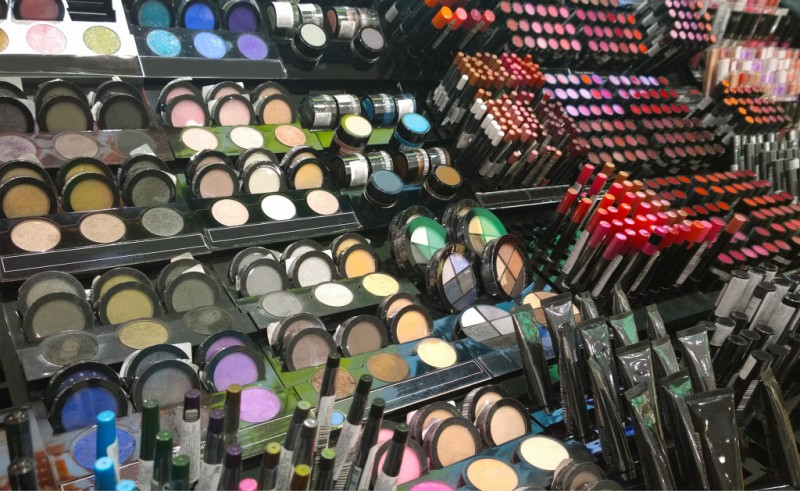 Customized Cosmetics Gain Customers as New Business