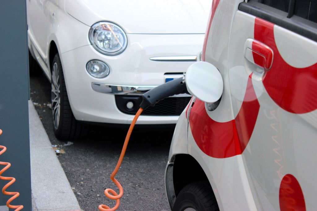 Considering that each EV charging point costs approximately 40 million won to set up, government funds will offset about 50 percent of the costs. (image: KobizMedia/ Korea Bizwire)