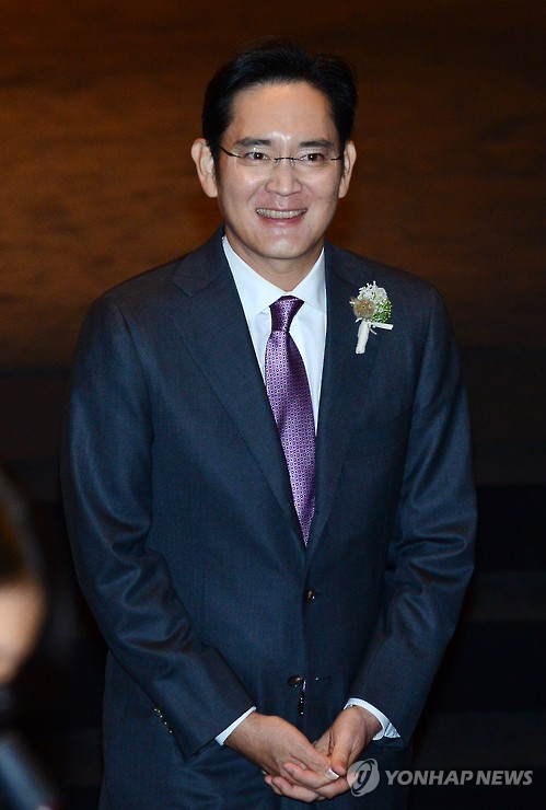 Samsung insiders said the younger Lee, 46, has played a key role in making vital decisions at Samsung Group, which has Samsung Electronics under its wing, since his father was hospitalized after a heart attack about two years ago. (image: Yonhap)