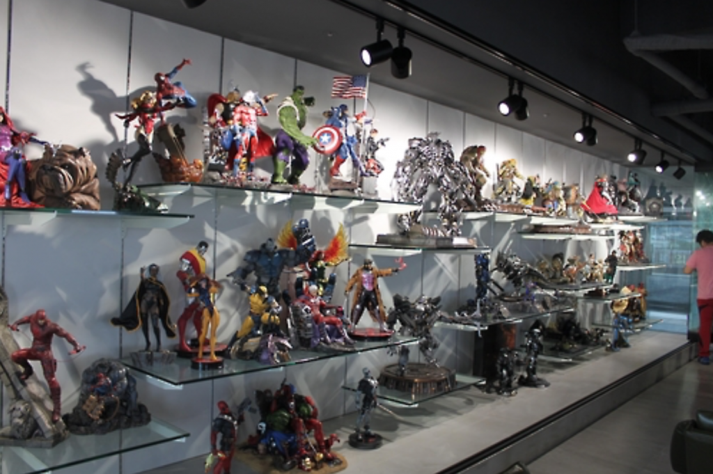Toys and action figures were particularly popular, with men in their 30s accounting for 63 percent of all successful bidders. (image: Yonhap)