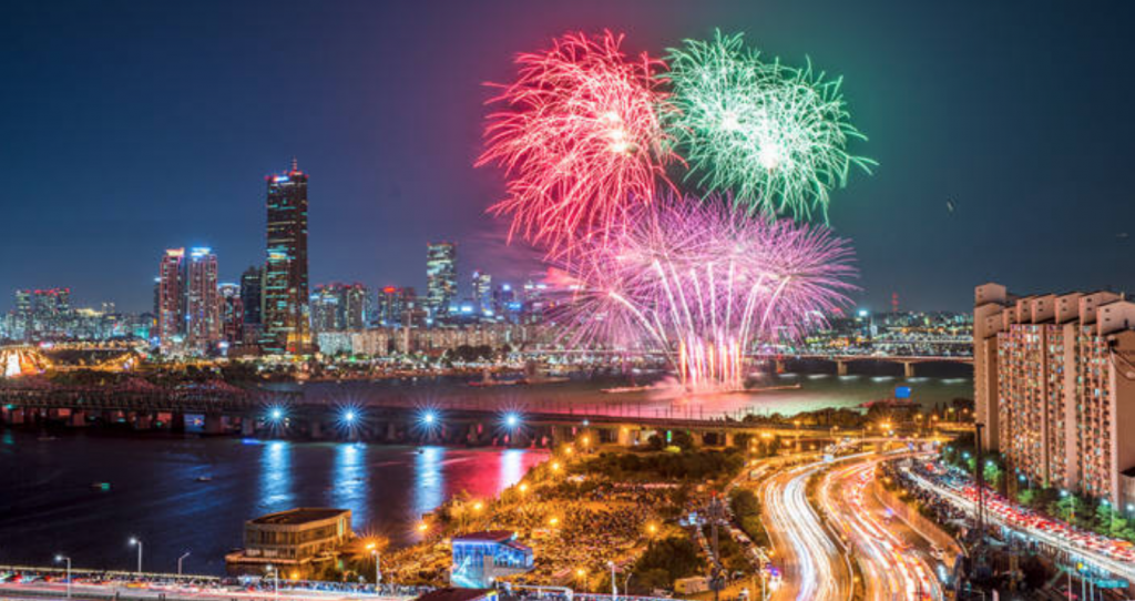 The annual event has drawn about 1 million viewers each year. (image: Hanwha)