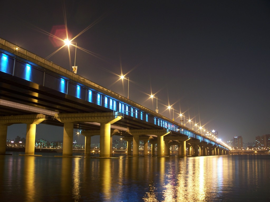 Mapo Bridge topped the list with 532 cases, trailed by the Hangang Bridge with 126 cases. (image: Wikimedia)