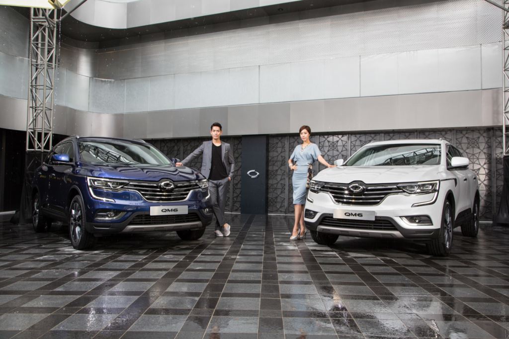Renault Samsung will start receiving applications for QM6 purchases online beginning on September 2, allowing consumers to select specifics such as trim, colors, and other options, and provide a contractual estimate for the vehicle's purchase price. (image: Renault Samsung)