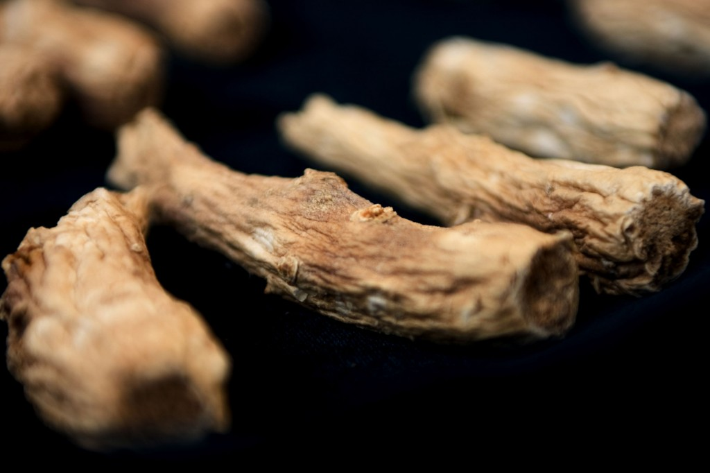 Sales of red ginseng products jumped 220 percent in 2016 from the previous year, the official said. The unit price of red ginseng goods averaged 152,000 won (US$134). (image: KobizMedia/ Korea Bizwire)