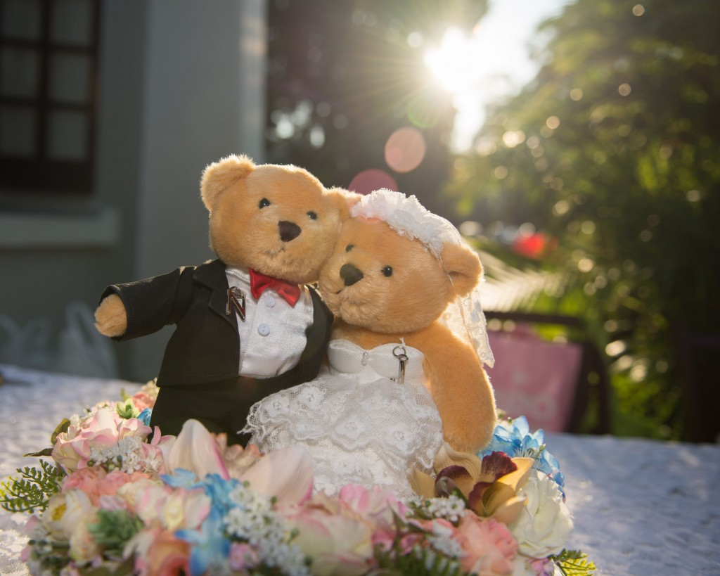 Weddings tend to be more expensive during springtime (March – May) given the conventional perception that it is the most popular choice for most couples, urging brides and grooms to seek dates in the fall (October – December), which would usually be off-season in the wedding industry. (image: KobizMedia/ Korea Bizwire)