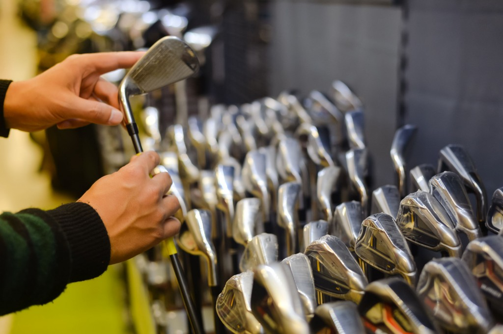 Despite a steep 19.2 percent decline in sales of golf equipment (October 1 to 20), sales of products related to fitness (46.3 percent), table tennis (31.4 percent), tennis (19 percent), and swimming (12.3 percent) all saw noticeable increases. (image: KobizMedia/ Korea Bizwire)